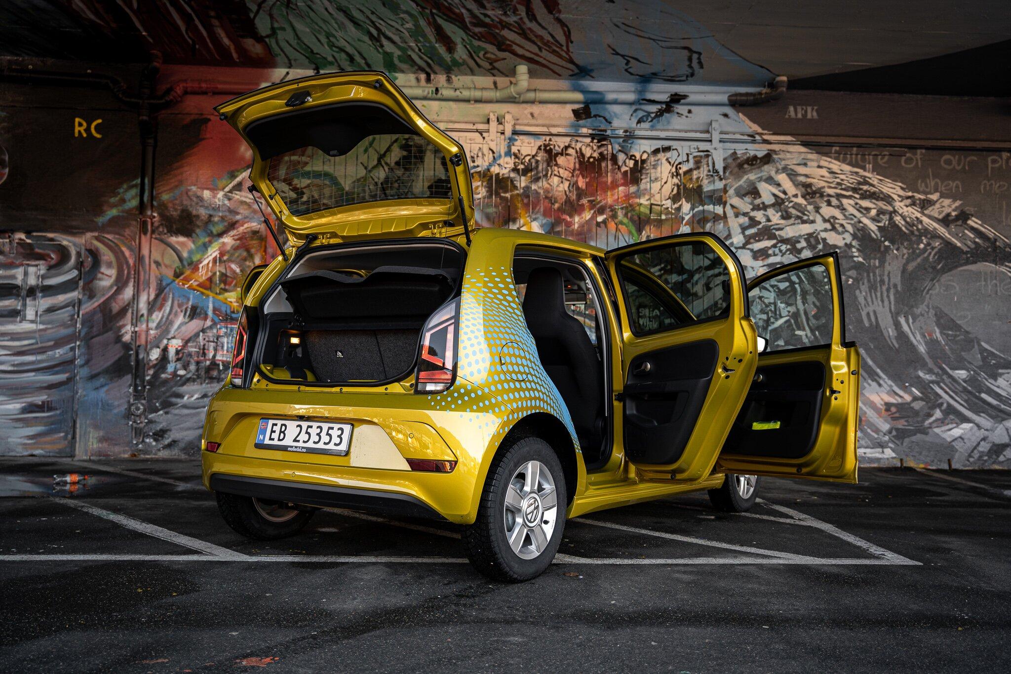 Kompakt og romslig elbil.